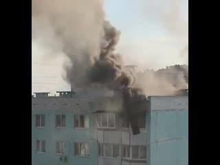 Страшное видео из Ростова. Спасаясь от пожара, мать с ребенком выпрыгнули с 10 этажа