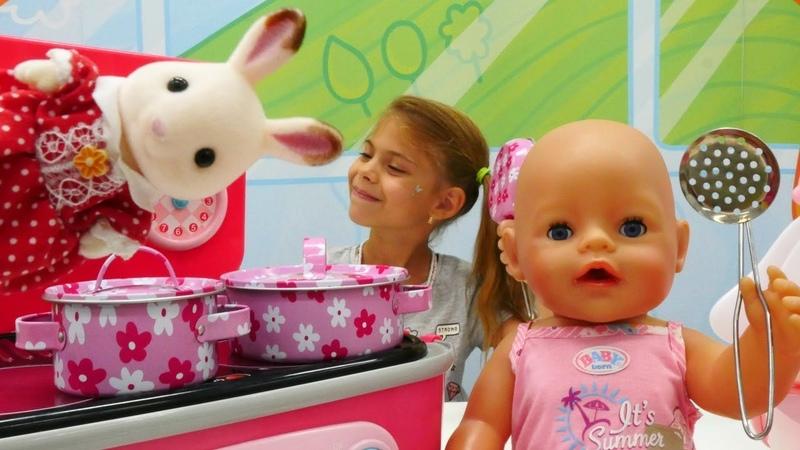 Çocuk videoları. Sylvanian Families Tavşan hediye getiriyor