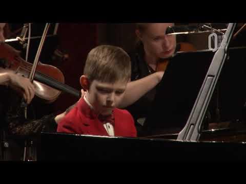 Детский симфонический концерт в Театре оперы и балет 2019 Иван Митюшов лицензионный