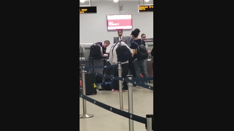 FANCAM | 13.12.18 | A.C.E @ Miami Airport, departure to Korea
