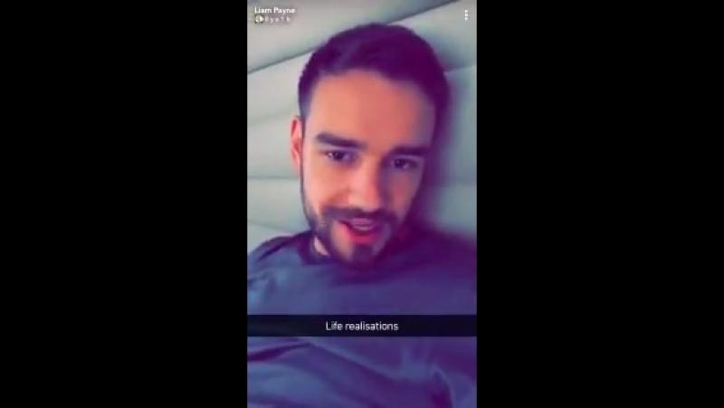 INFO Liam sur sa story snapchat 23.09 - - Il parle du gala d'hier au amfAR et qu'il sera a