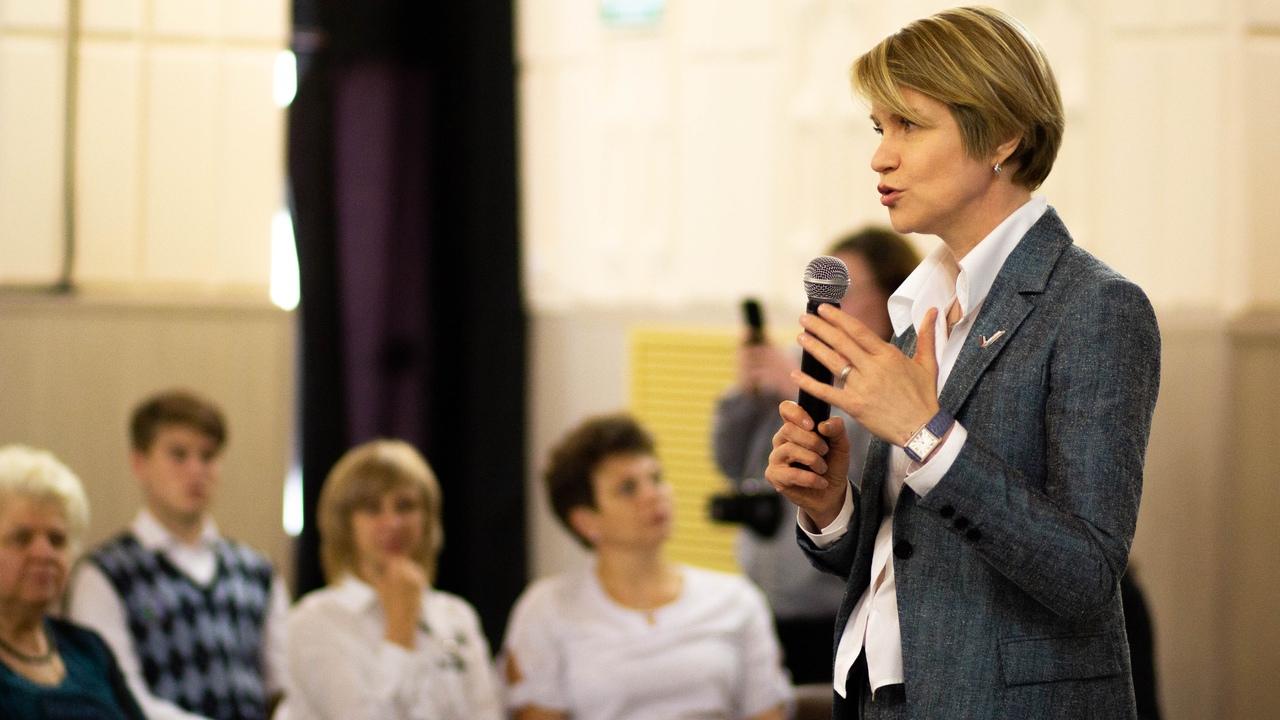 Елена Шмелёва: «Создание образовательных центров - принципиально важная работа для развития и поддержки талантливых детей»