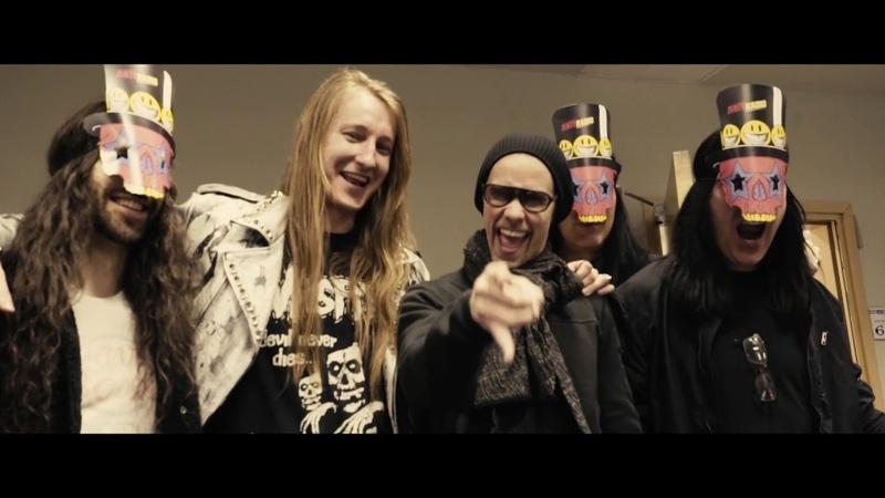 Slash ft. Myles Kennedy The Conspirators - BTS Look at UKEurope Tour 2019