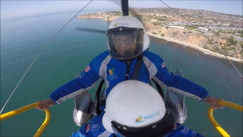 FLYING VIDEOS OVER LA SUBURBS, CALIFORNIA, USA - Dinesh Vora