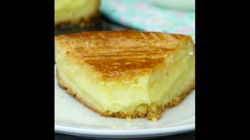 Пирожное Баско с нежным заварным кремом.