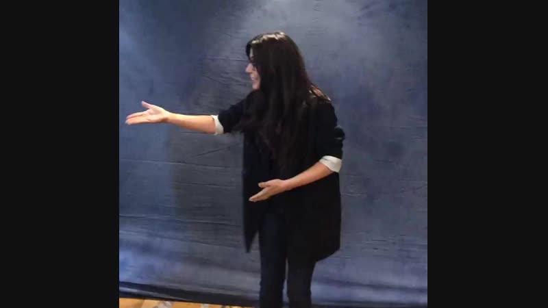 Видео с фотосессии Марисоль с фанатами