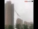 Смертельный ураган смывает Китай