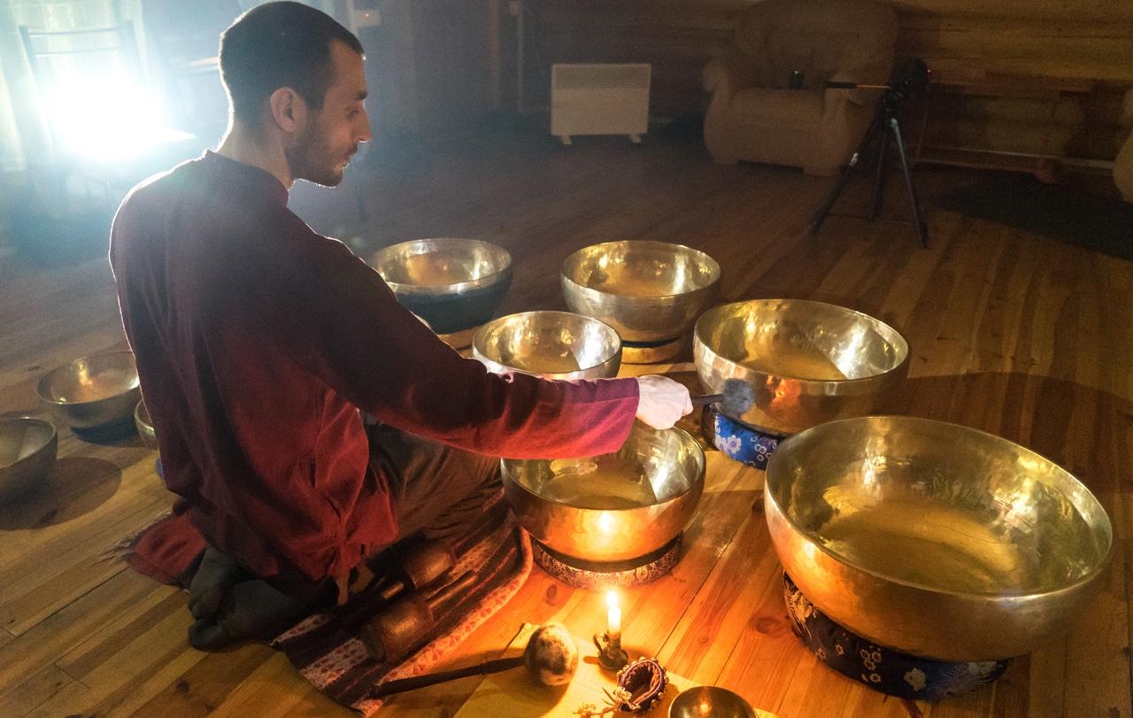 Афиша Калуга Медитация с поющими чашами в Калуге