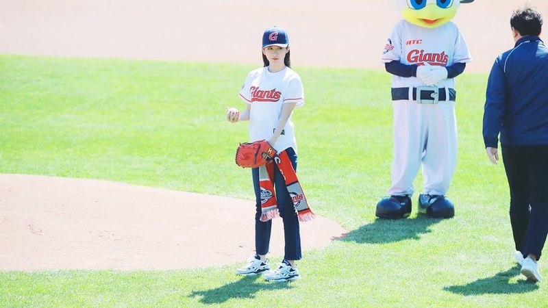 [Fancam] 190324 Lotte Giants baseball game @ Exy