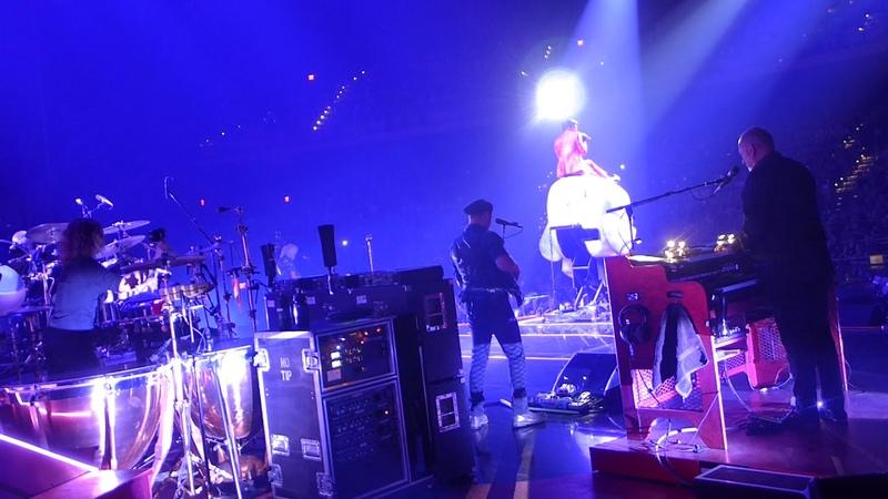 Queen Adam Lambert - Killer Queen - live On Stage - MGM Park Theater Las Vegas