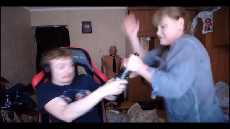 Тварь! Чтоб ты сдох!: Мать зашла на пьяный стрим Vjlink (вжлинк)