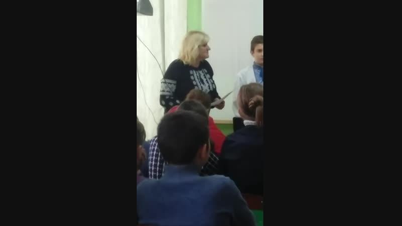 Українська вишиванка - оберіг із роду в рід.