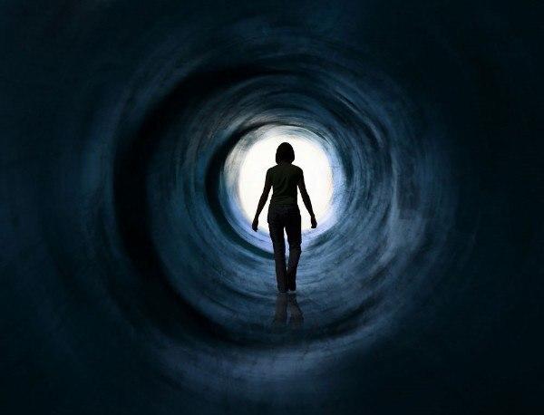 НЕВЫДУМАННАЯ ИСТОРИЯ О ПЕРЕСЕЛЕНИИ ДУШИ Несколько лет поведение Джеймса Лейнингера казалось его родителям странным и пугающим. Они потратили несколько лет, чтобы отыскать причину этих