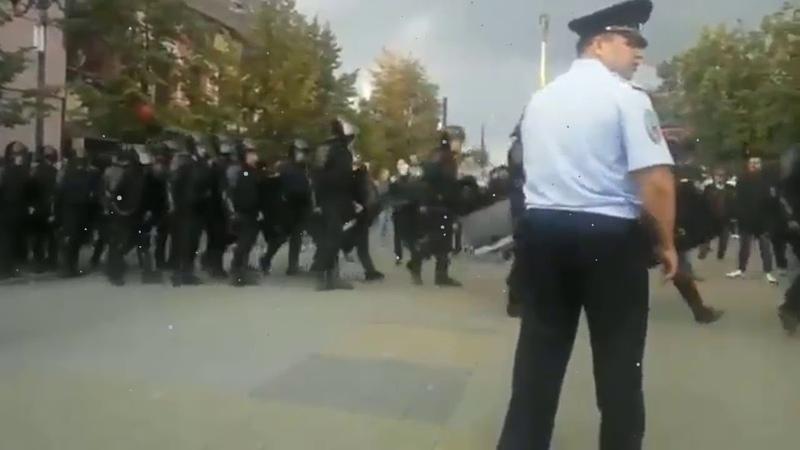 В Челябинске ОМОН отказался разгонять протестующих граждан