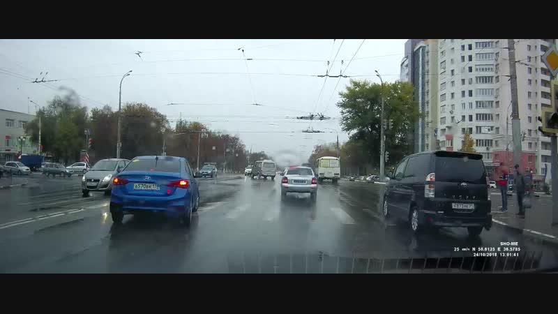 Разворот через двойную сплошную на Богданке на глазах Белгородских ДПСников