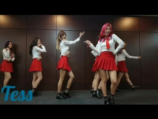Jiu Queen of gaycatcher fanservice Look at the other members when she did that lmao. [cr tess] DREAMCATCHER You_And_I EscapeTheE