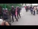 Полиция франции защищает народ
