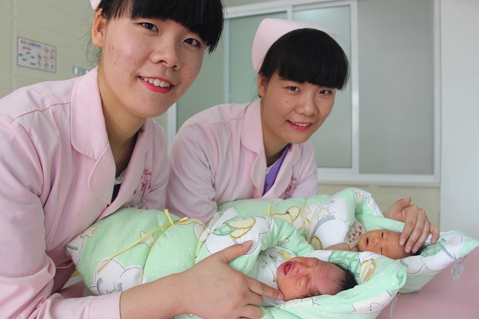 В Китае родились первые в мире генетически модифицированные близнецы