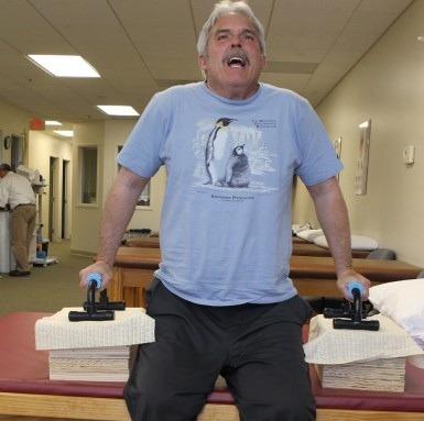 Доктор Раммель. Через невозможное. Доктор Тед Раммель из штата Миссури, США, парализован ниже пояса. Однако инвалидность не помешала ему вернуться к работе и оперировать пациентов в инвалидной