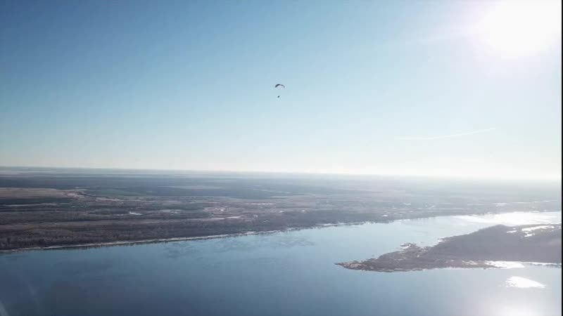 Полет на паралете над Волгой в ноябре