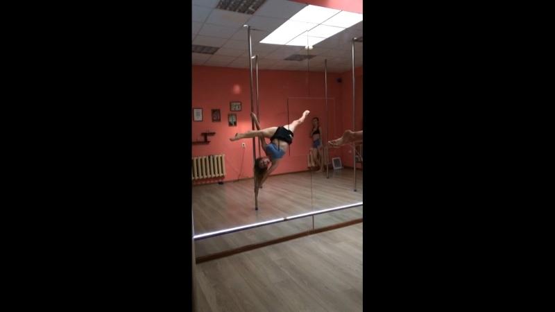 Pole tricks Oksana Kovsh 😇