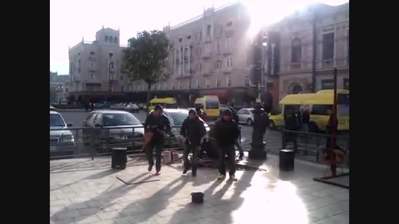 ТБИЛИСИ, 11 ДЕКАБРЯ 2013, уличный концерт ансамбля Inca Sol - ЭКВАДОР (4)