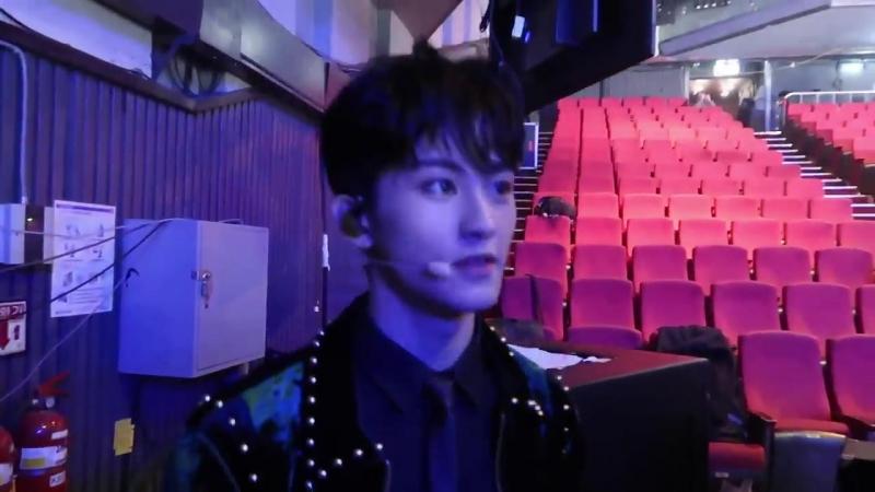 181016 NCT 127 @ Music Bank Backstage