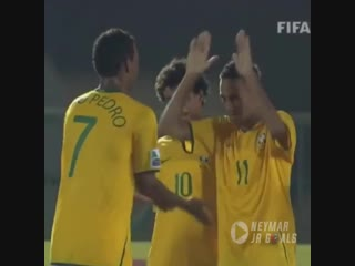When a 17 year old Neymar did this to the goalkeeper