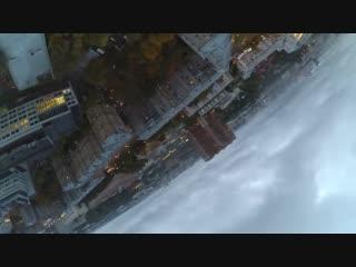 Полёт с балкона на дроне