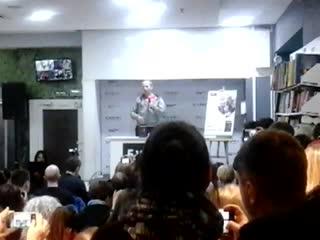 Иван Охлобыстин в Буквоеде Запах фиалки Начало встречи 26.12.2018