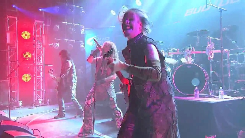 ROB ZOMBIE - Mars Needs Women (Live On Revolver Golden God Awards).mp4