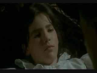 Молодая нимфетка соблазняет писателя (сцены из х/д фильмов, пизда малолетки, сняла трусики, ебет молоденькую, юная пися)