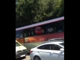 Водитель в Сочи демонстративно не пропустил Скорую на трассе