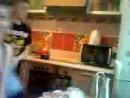 Внучата кормят Олесю..3gp