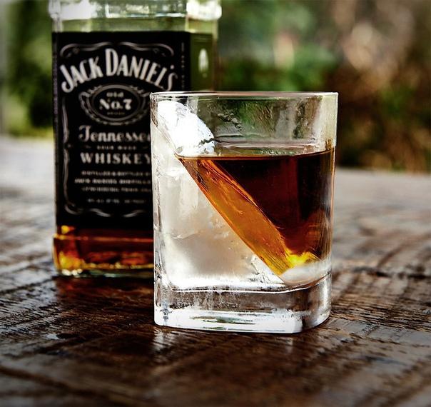 Стакан для виски с системой заморозки льда – 🔥 © alipab.ru.