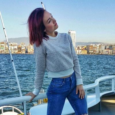 Александра Измир