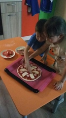Что может быть вкуснее настоящей Итальянской пиццы? Да ещё и приготовленной собственными руками! При