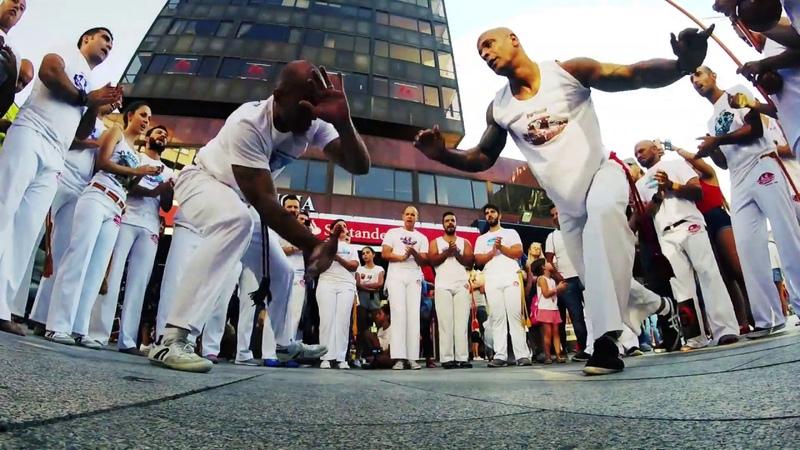 RODA DE LA FAROLA Abadá-Capoeira Vigo Galicia