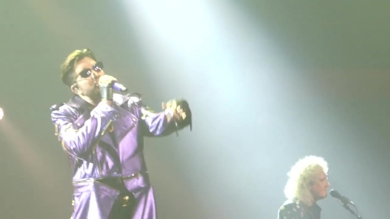 VEGAS10 QAL - Tie Your Mother Down(partial) @ Park Theater LV 20