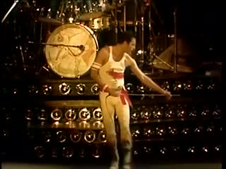 Queen - put out the fire/dragon attack/now i'm here' ending (live in tokyo, japan, november 1982)