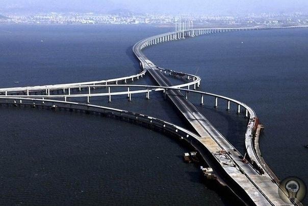 Самые длинные мосты в мире Мосты массивные сооружения из бетона и металла, которые весят тысячи тонн, и остаются стоять даже во время разрушительных стихийных бедствий, таких как землетрясения,