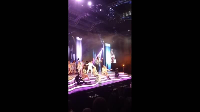 На концерте Филиппа Киркорова 13 ноября 2018 года в Эвент Холле Воронежа