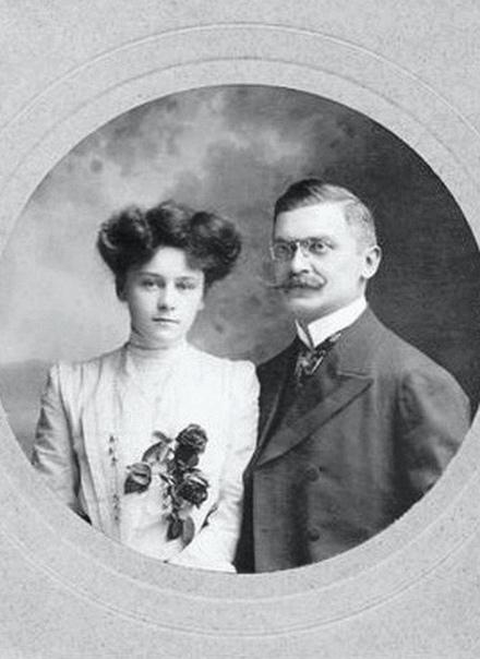 На фото последний министр внутренних дел Османской империи Али Кемаль со своей английской женой Винифред Брюн