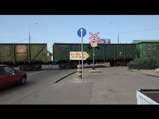 Железнодорожный переезд на Уральской.