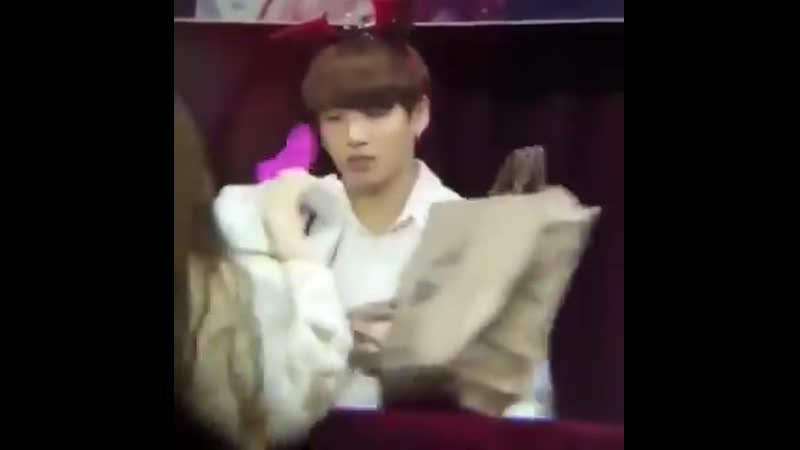 The way jungkook was repeatedly saying oh thank you when the k-army kept giving him gifts   cr. kookbeingextra