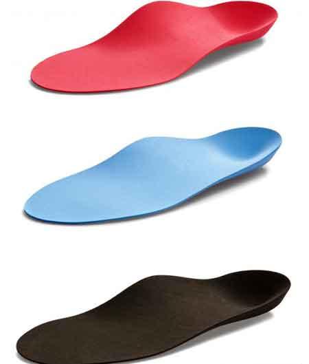 Стельки для обуви могут помочь смягчить последствия подошвенного фашита