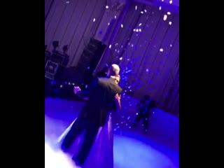 Дочь Серова с мужем танцует на своей свадьбе под хит отца в исполнении Николаева