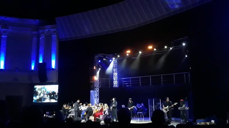 Premier Orchestra и группа Виктор - В.Цой В наших глазах