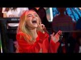 Sabrina Carpenter - 'Almost Love' live on 'GMA'