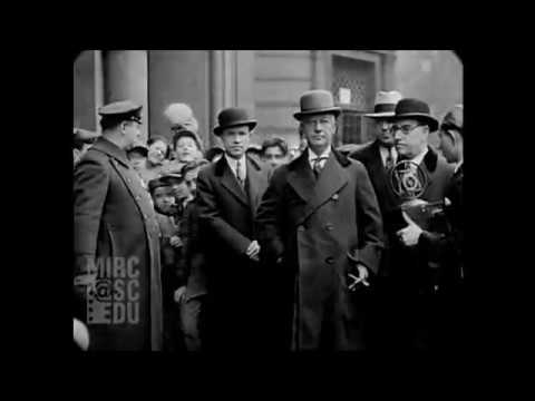 1930 - New York City Streets During The Great Depression (real sound)
